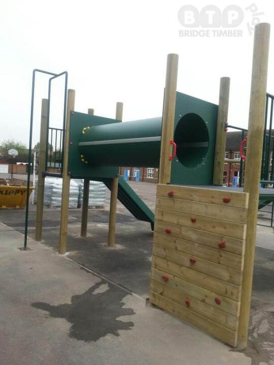 London Climbing Frame Installation